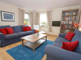 AWAY WEST, WiFi, enclosed paved gardens, pet friendly in St Just in Penwith