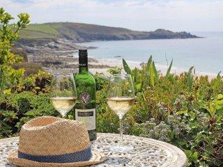 SUNNYSIDE, sea views, close to beach, close to pub, Ref 959418