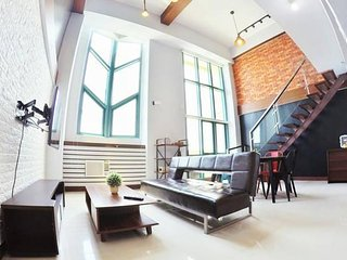 New!1Bedroom Industrial Loft in Eastwood City Quezon City with WIFI up to 30mbps