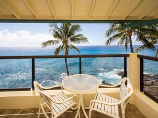Fantastic Ocean Front Condo! Full Kitchen, Washer/Dryer, Private Lanai, WiFi
