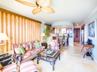 Island Vibe at Oceans Edge! Open Kitchen, Laundry, WiFi, Lanai–Poipu Shores 307A