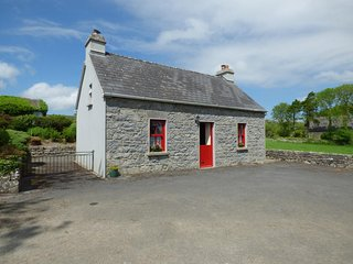 LIMESTONE COTTAGE, wooden beams, countryside views, Ballyvaughan 10 miles, Ref