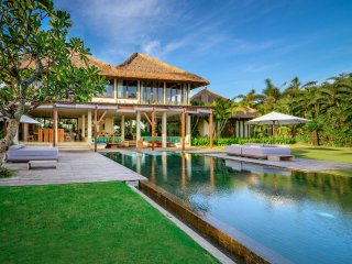 VILLA MAKANDA, 4 BED BEACHFRONT, CHEF, IDEAL FOR EVENT, SPECIAL BIRTHDAY