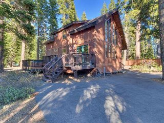 Four Summits -  4BR w/ Hot Tub & Pool Table - Dogs OK - Sleeps 9!