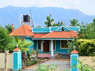 Marayoor Panicker's Holiday Home, 3Bedroom Holiday Home