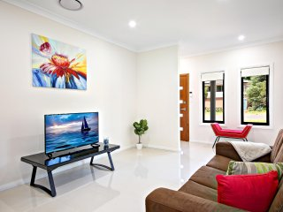 AUSTRAL VILLA 43A - SYDNEY Easy access to CBD, Great value for groups