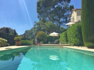 Mougins luxury 3 bedroom villa, with private heated pool