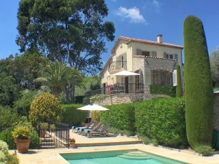 Mougins LUXURY VILLA, with private HEATED POOL and AMAZING VIEWS