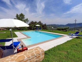Incantevole villa con piscina e vista Appennini