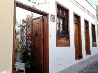 Casa emblemática Hilaria, situada en el casco histórico a 1 minuto de la playa