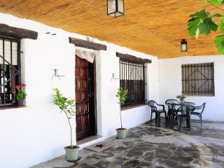 Holiday Ecological Cave House Wifi, Pets, Garden in beautiful Andalusia