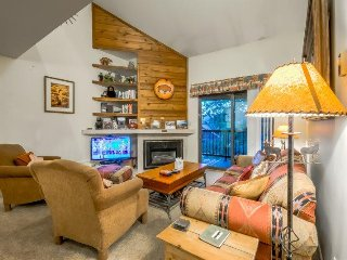 Spacious Steamboat Springs Condo, near Sking with Shuttle, Pool, Hot tub, Tennis