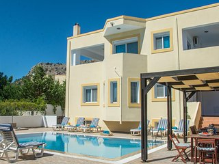 Villa Bella, Glystra Beach with Private Pool