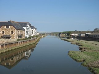 HARBOUR HOUSE APARTMENT first floor apartment on the riverside in Wadebridge