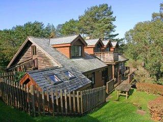 TREGARTHA wooden built house at Flushing beach. Sea views. Lovely garden. Walk