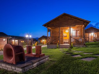 Family Mountain Bungalow 2 Adults + 2 Children, Konitsa