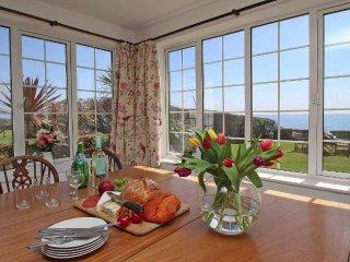 WATCHTOWER charming former coastguard cottage, lovely garden, sea views, just