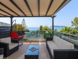 Beachfront Maisonette in Dafni Beach