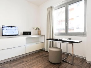 Modern 1bdr near the Central Station in Milan!
