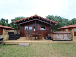 Luxury wooden lodge, Bittern Lodge
