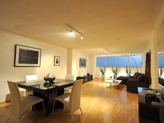 Modern & Stylish 2 Bedroom Apt. Near Reforma