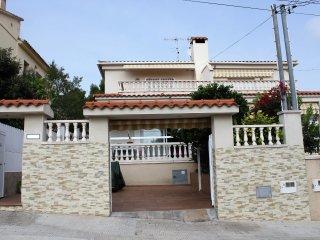 Villa Dorada – Garden with BBQ