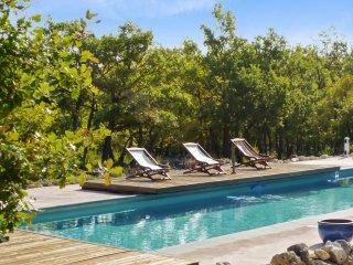 600 sqm villa with heated pool
