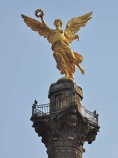We are two blocks away from the Iconic Angel of Independence on Reforma Avenue