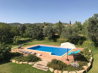 4 BEDROOM HUGE VILLA IN COUNTRY SIDE OF ALGARVE