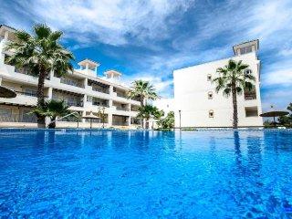 4 Bed Luxury XL Apartment ( 2 X 2 Bed Apartments) Wi-Fi /A/C / Pool Villamartin