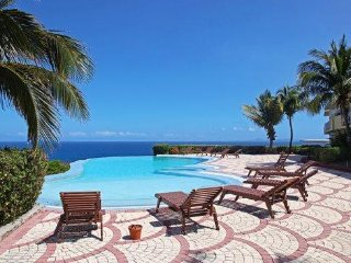 Atlantica Beach Club Condo - Unit 4 *Dawn Beach*