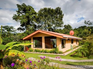 Special $  Paradise Just for Two! 1 Bedrm Lake Arenal Home, Fabulous Views, Spa!