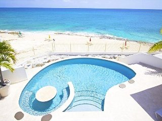 Beachfront Villa Bahari, lovely 3 Bedroom, 3.5 Bathroom   Island Properties