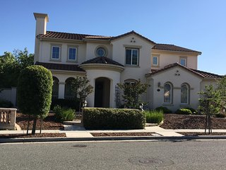 Canyon Hills Estate