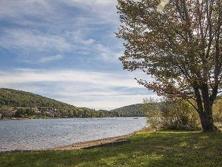 Great lake views, community amenities, 5 minutes from Wisp!