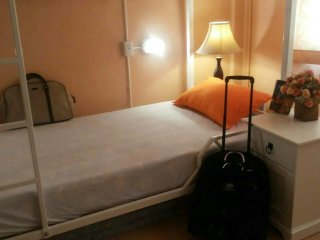 Single Bed near South Beach and Downtown: Hostel: 7