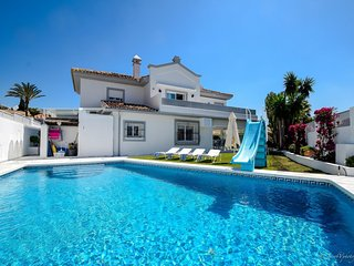 14054 - FABULOUS VILLA 200 M FROM BEACH