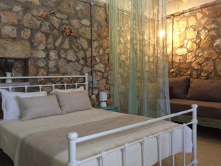 Stone house with big garden -3km away from Argostoli