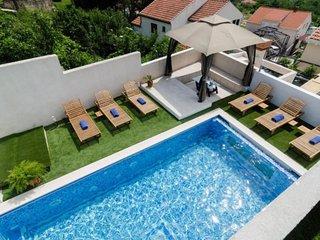 Luciana Residence