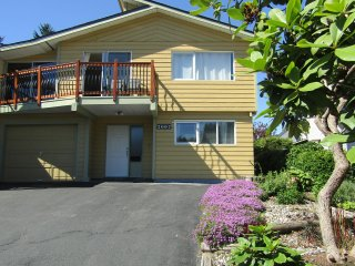 Coquitlam 2 bedroom apartment close to nature & downtown Vancouver