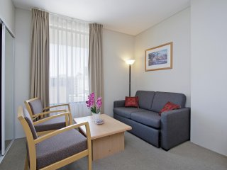 Perth City Executive Apartments Deluxe Room 607
