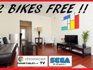 Miami beach, near beach+ 2 BIKES free ! chromecast ! game SEGA ! PARKING FREE !