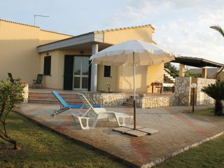 Villa to 9 Km from Cefalu
