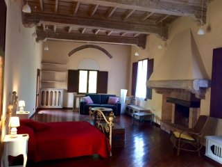 Malpensa & Lakes - Relaxing holidays in a Castle - Free Wi-Fi and Parking