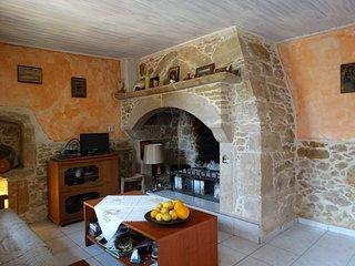 BAIE DE LA MESSARA Maison Cretoise dans village typique SPECIAL PETITS BUDGETS
