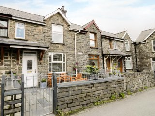 DOL BACH, traditional, easy access to amenities, in Blaenau Ffestiniog, Ref