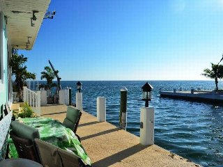 P59 Ocean Front Charmer, 2 bed/2 bath