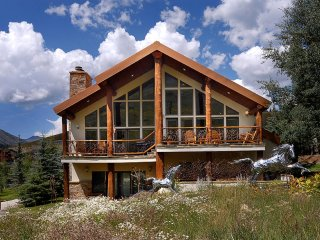 Ski-In / Ski-Out  Chalet - Single Family Home - Sleeps 10 (we LOVE dogs!)
