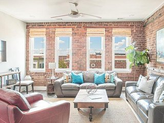 Stay Local in Savannah: Stunning downtown views from this hip 2 bedroom condo