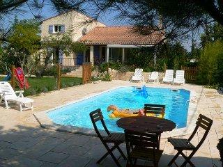 Villa avec piscine a 10mn d'Avignon
